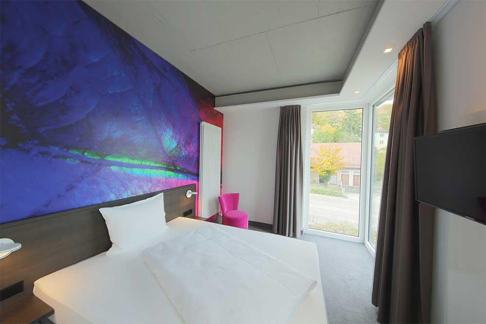 qubixx - StadtMitteHotel - Für Geschäftsreisende. Für Touristen. Für Alle. Mitten in Schwäbisch Hall. qubixx cozy - Zimmer ab 69 Euro.